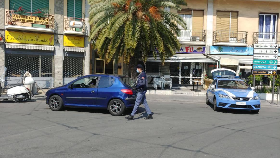 Controlli polizia Sanremo centro
