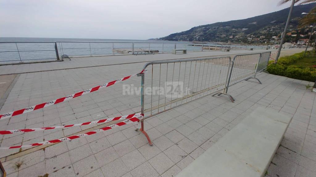 La Pasquetta surreale della Riviera dei Fiori, spiagge deserte e controlli anche in mare