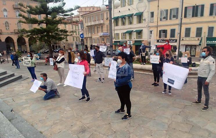 riviera24 - flash mob parrucchieri sanremo