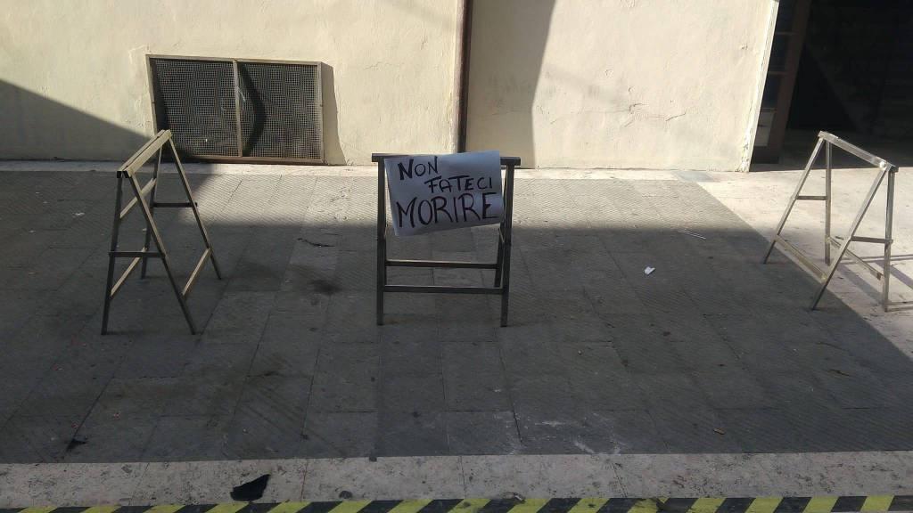 Mercato di Oneglia, tensione in piazza della Vittoria e sciopero bianco degli operatori