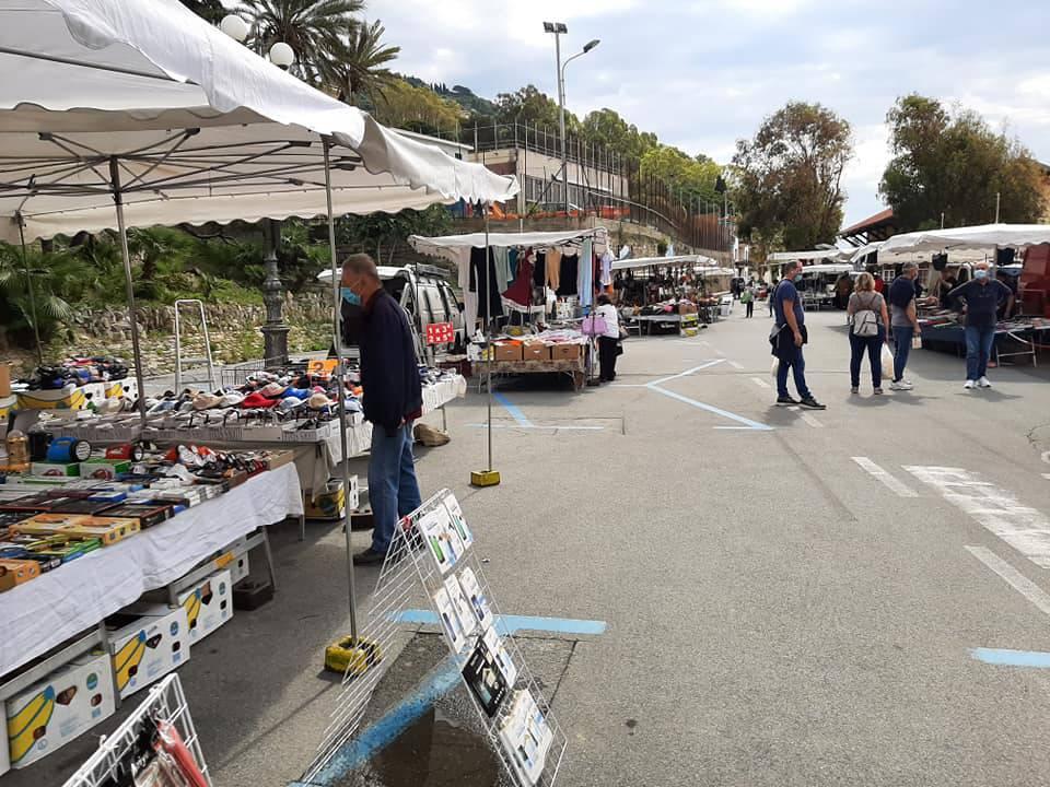 riviera24 - Mercato ambulante Ospedaletti