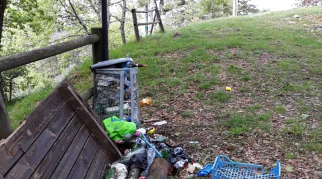 riviera24 - Monte Bignone rifiuti