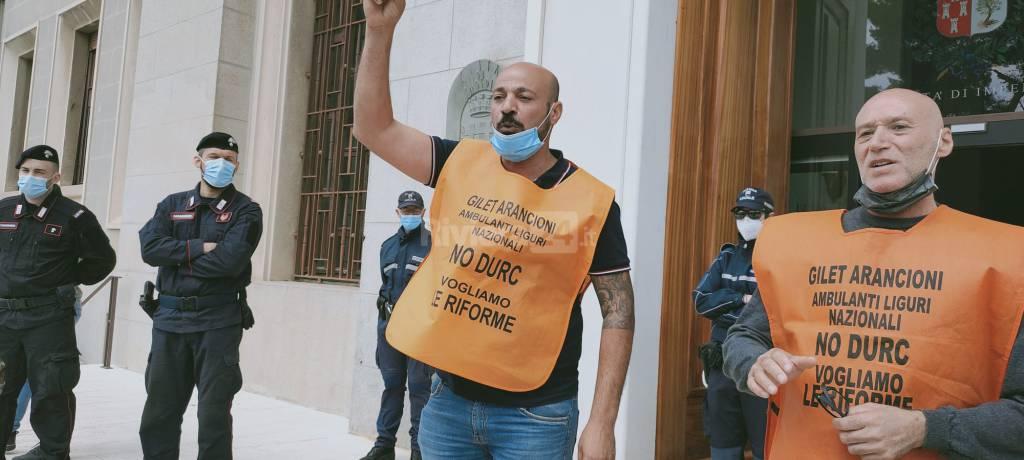 riviera24 - Protesta gilet arancioni a Imperia