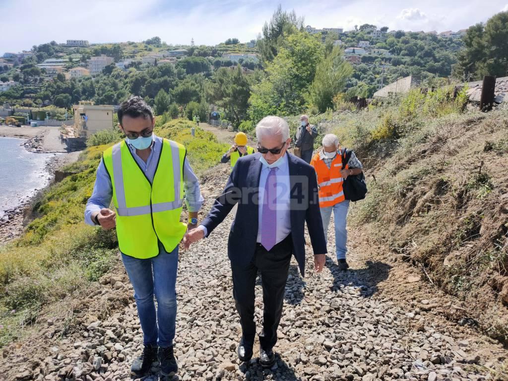 Cantiere pista ciclabile Imperia, il sopralluogo del sindaco Claudio Scajola