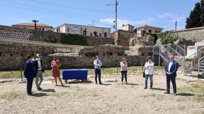 conferenza teatro romano