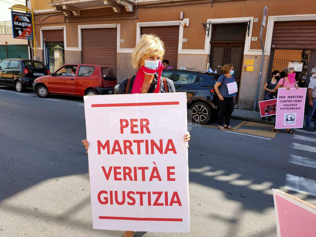 Flash mob contro la sentenza di assoluzione per il caso di Martina Rossi