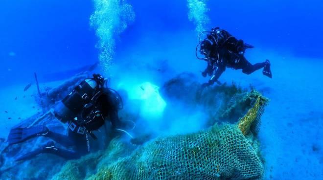riviera24 - Guardia costiera sommozzatori subacquei reti sub
