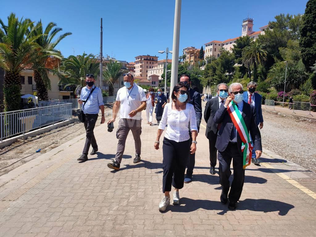 Riviera24- ministro De Micheli Imperia