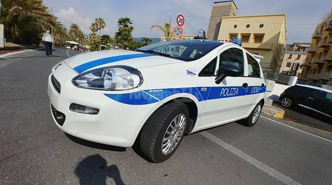 Sanremo mercato ambulante lungomare Calvino sindaco Biancheri vigili steward