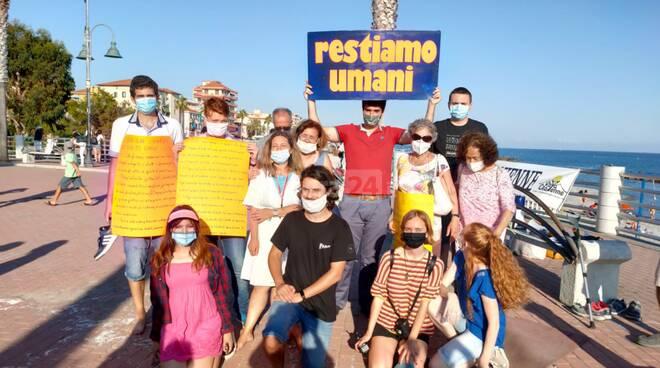Flash mob a Ventimiglia contro la chiusura del Parco Roja