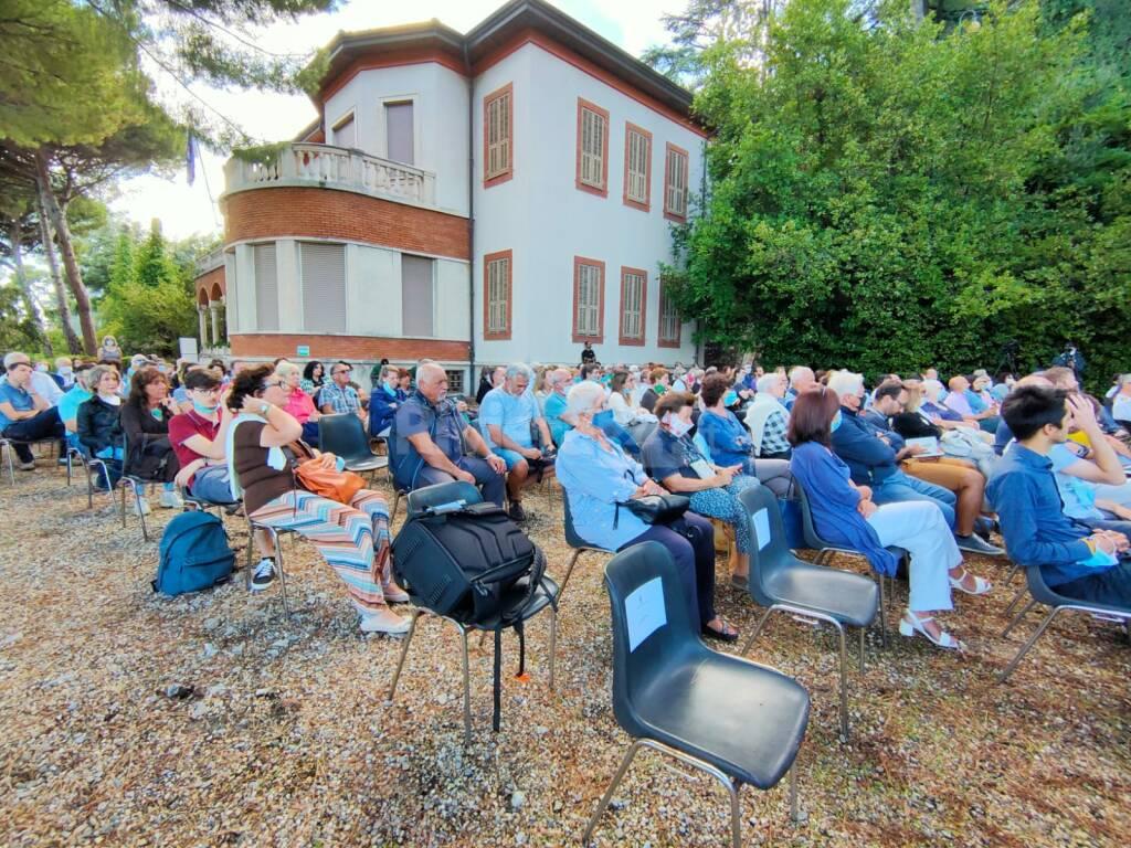 La conferenza di Luca Mercalli nel parco di Villa Faravelli