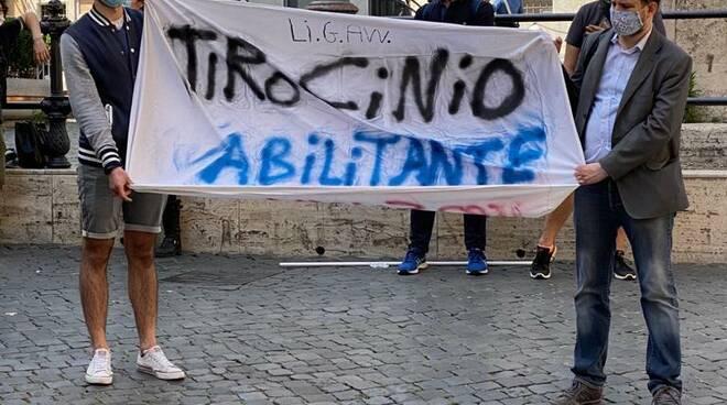 riviera24 - Psicologi protesta