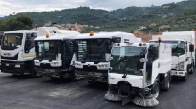 riviera24 - Spazzamento meccanizzato e lavaggio strade Imperia