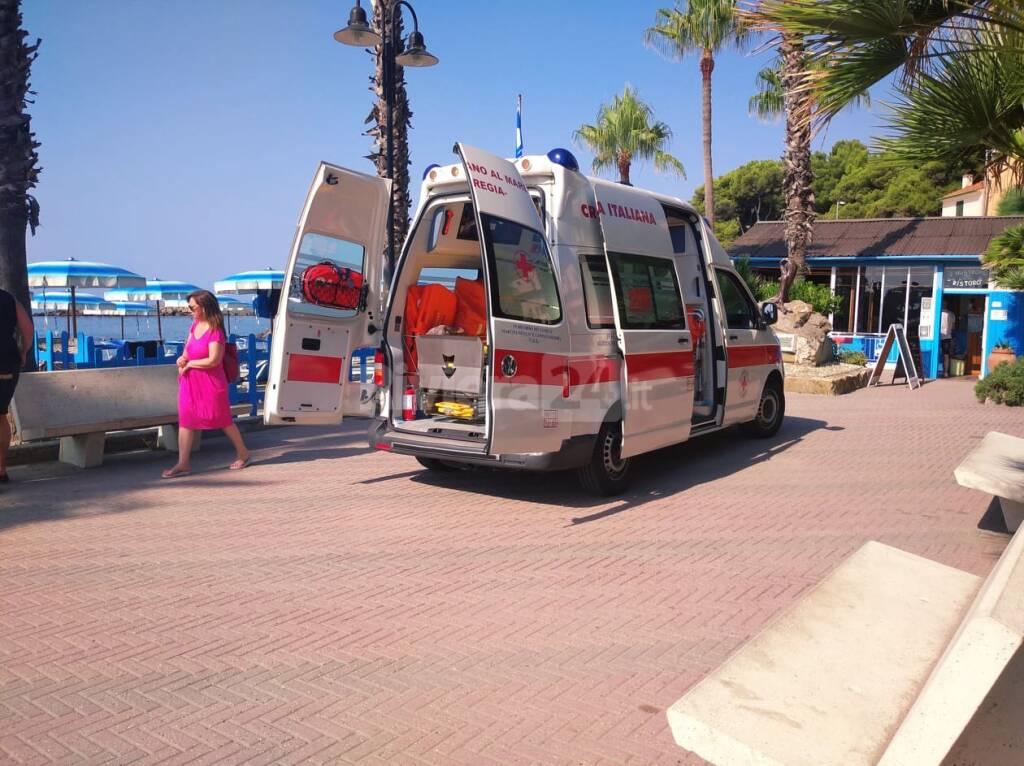 soccorsi spiaggia San Lorenzo