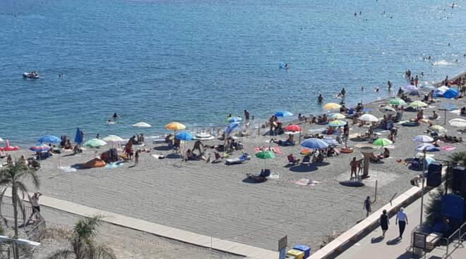 spiagge libere attrezzate san bartolomeo al mare