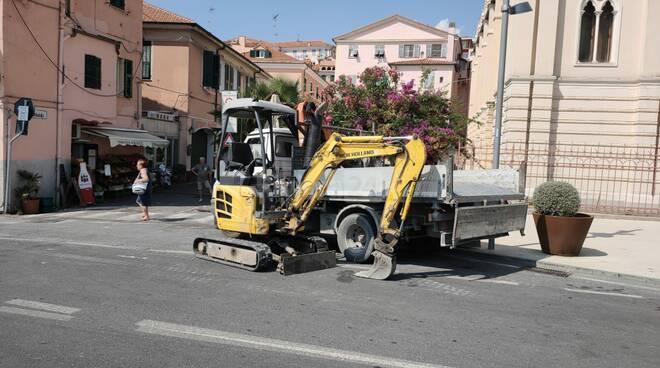 rottura tubo acquedotto Marina di Porto Maurizio