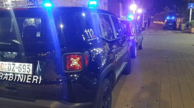 Riviera24 - carabinieri notturna