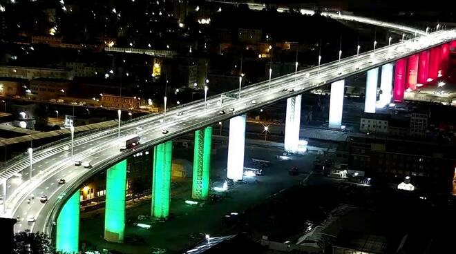 riviera24 - Il nuovo ponte di Genova aperto al traffico