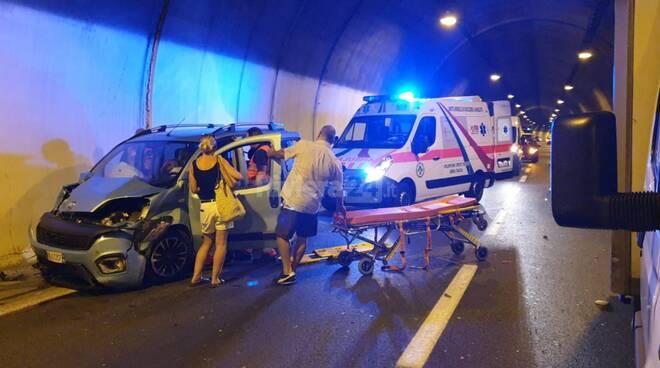 riviera24 - incidente galleria aurelia bis