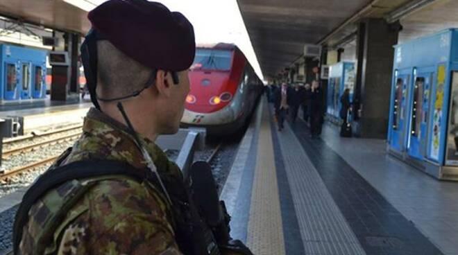 riviera24 - militari esercito treno treni