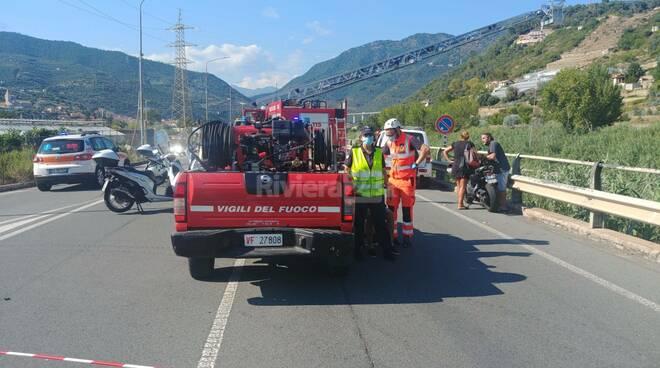 riviera24 - Motociclista cade del torrente Argentina