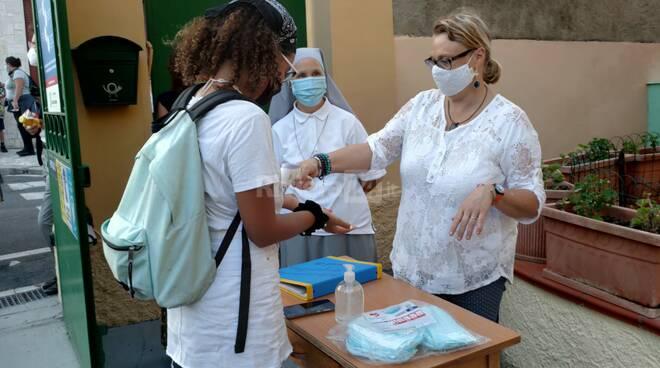 Imperia, primo giorno di scuola dopo il Coronavirus