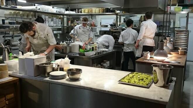 lavoro generica, cucina ristorante