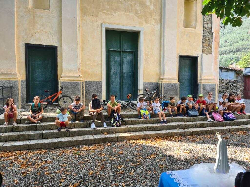 riviera24 - Benedizione degli zaini scolastici a Villa Viani