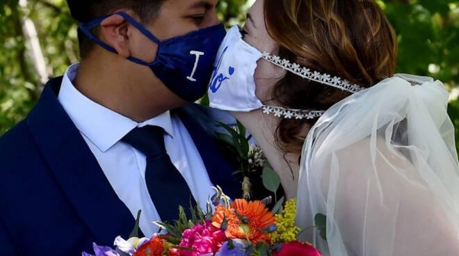 riviera24 - matrimonio mascherina mascherine