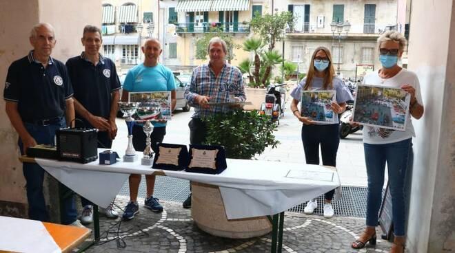 Riviera24- raduno auto moto d'epoca pontedassio
