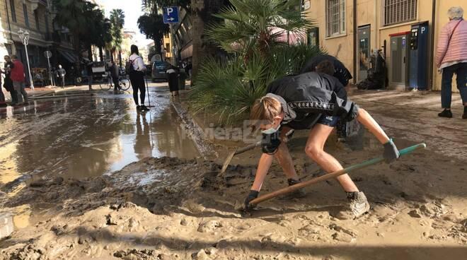 Gli angeli del fango a Ventimiglia