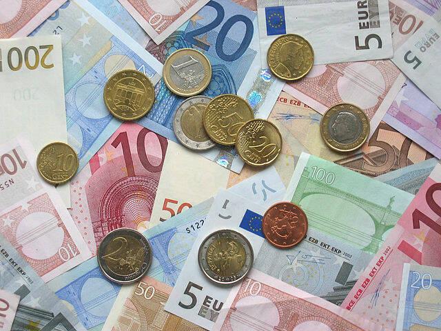 riviera24 - denaro euro soldi