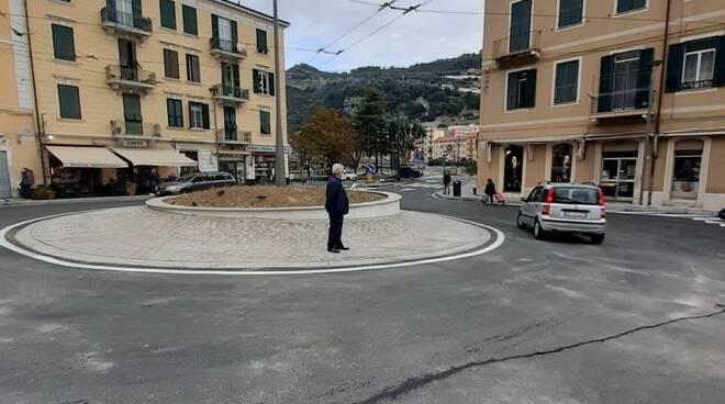riviera24 - Gaetano Scullino a la Galleria degli Scoglietti
