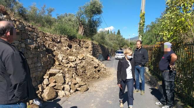 riviera24 - Muro di contenimento crollato a Diano Gorleri