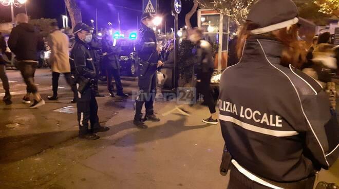 Sanremo, a mezzanotte scatta la stretta sulla movida: tutti a casa