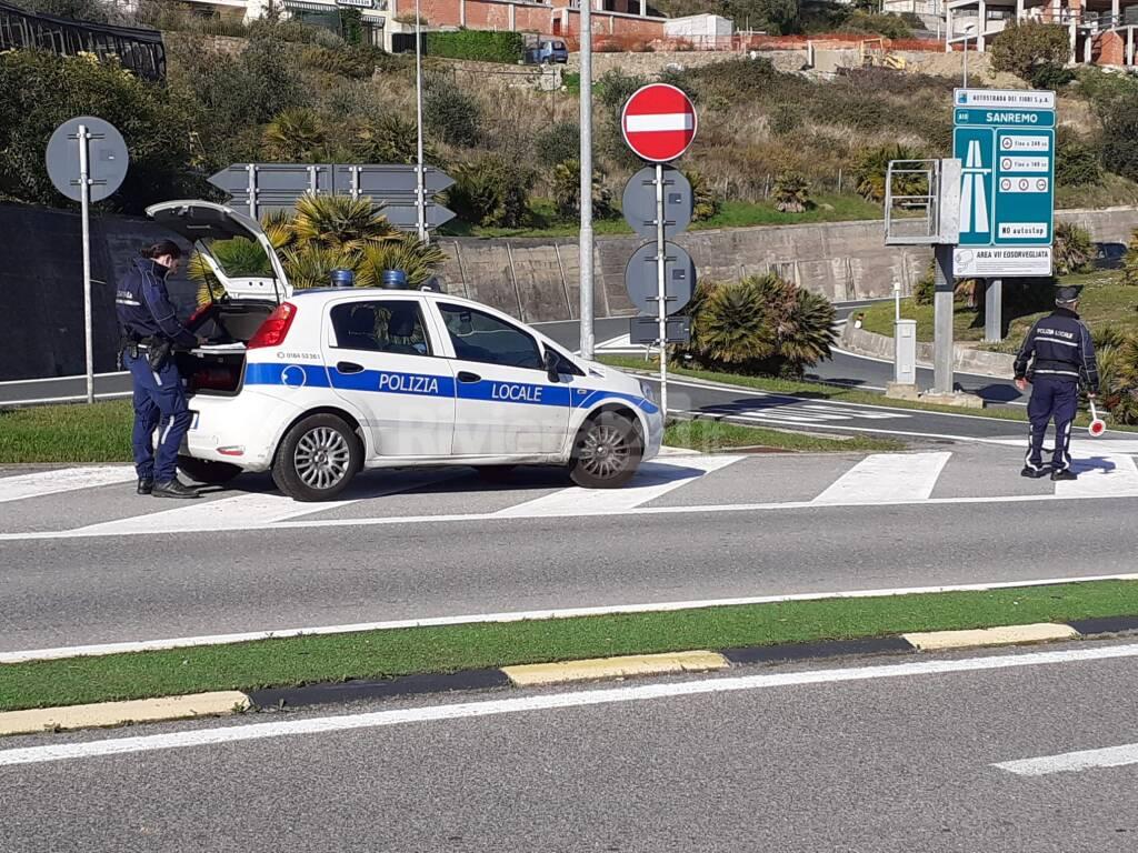 Controlli polizia locale Sanremo