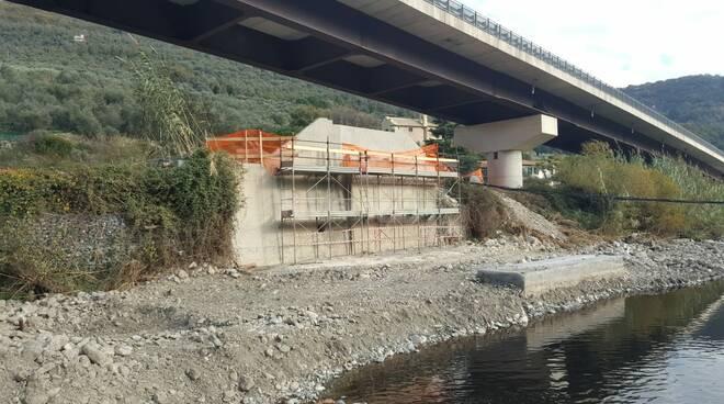 Pontedassio, nuovo ponte sul torrente Impero