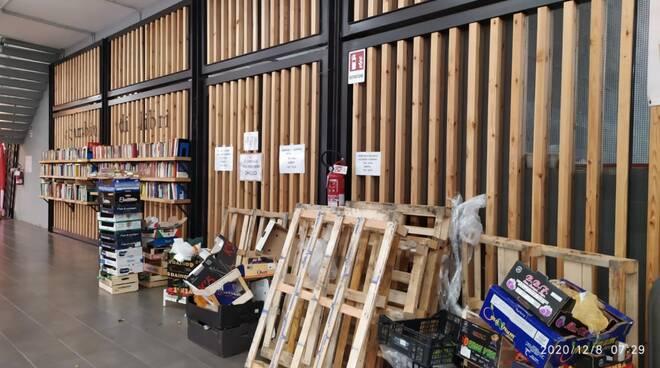 Abbandono di rifiuti al mercato annonario