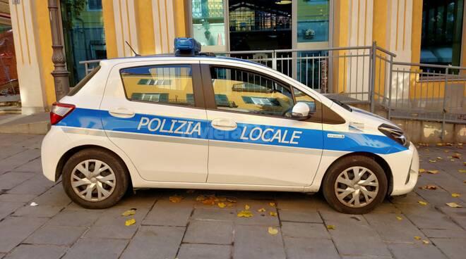 polizia municipale via cascione mercato coperto