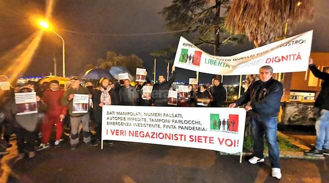 protesta movimento imprese italiane