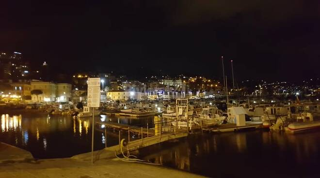 riviera24 - marina porto maurizio notturno