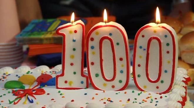 riviera24 - torta 100 anni
