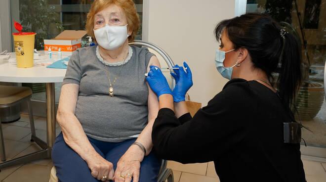 Riviera24 - vaccino monaco