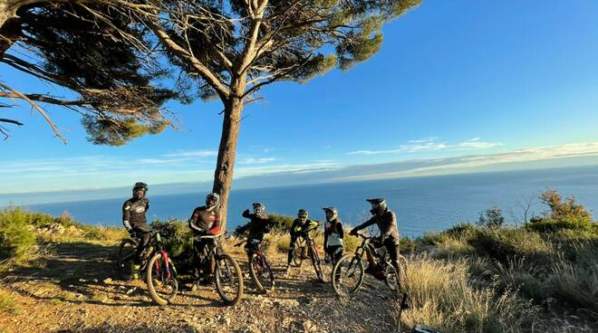 Top Riders sui trail del Golfo Dianese