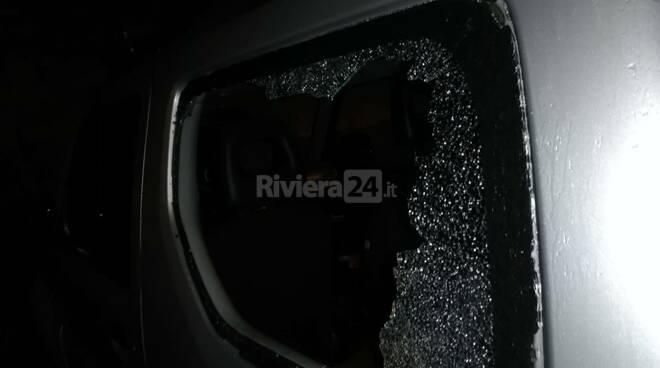 finestrino auto rotto
