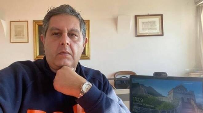 Giovanni Toti preoccupato