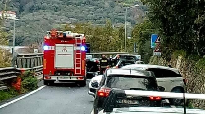 riviera24 - vigili del fuoco statale 20 tenda soccorsi trucco