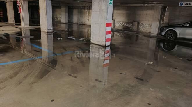 parcheggio amadeo allagato