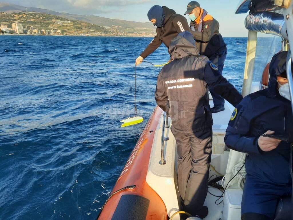 ricerche uomo disperso in mare