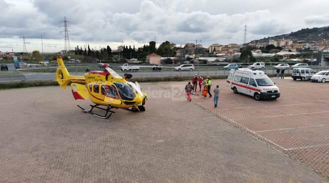 Grifo in azione per un motociclista caduto nelle colline tra Taggia e Badalucco